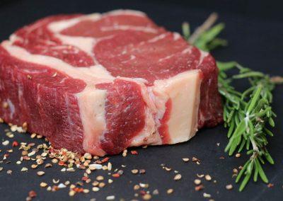 Příprava / úprava steaků